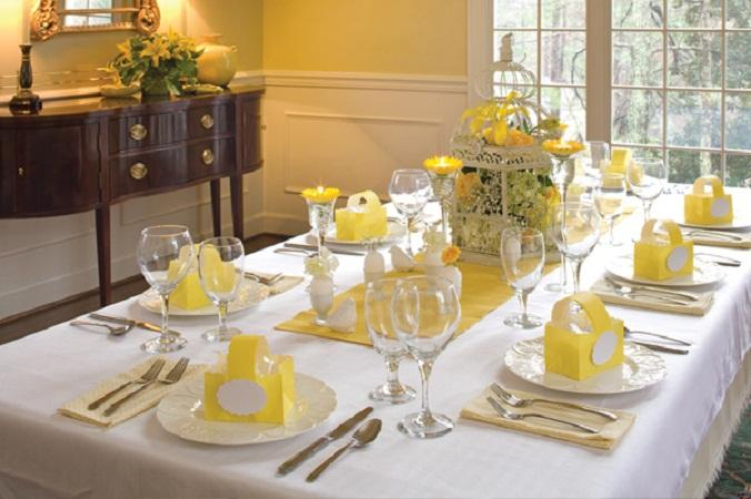 White-Easter-Dinner-Table-Setting-Ideas
