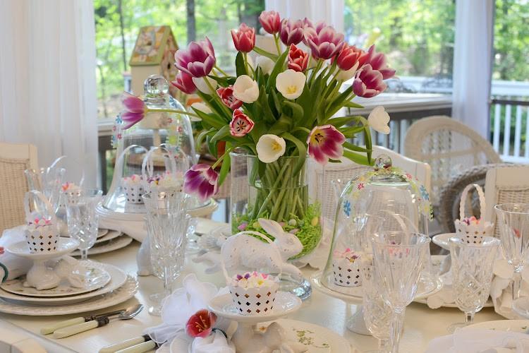 цветы в декоре стола