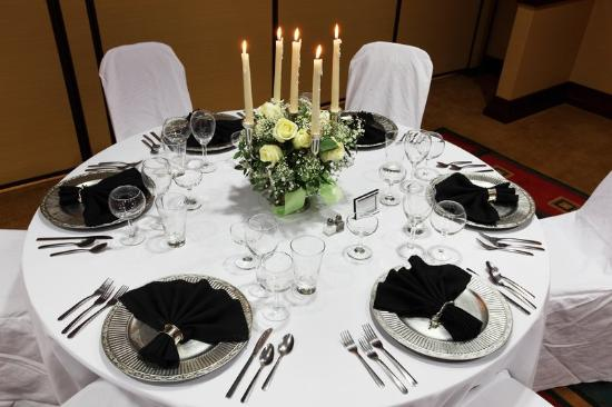 wedding-table-setting (1)