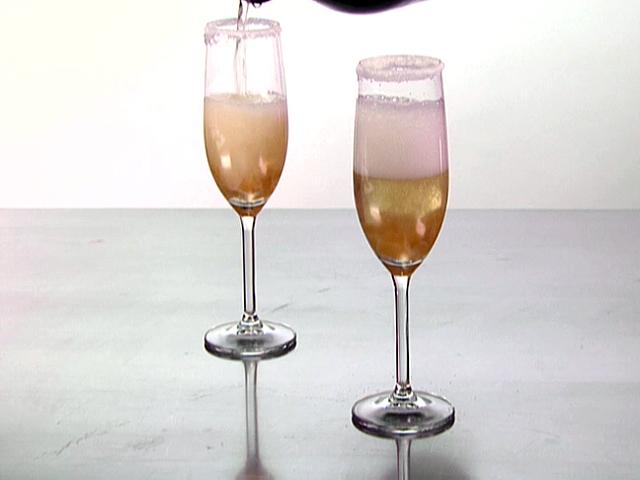 Коктейль из шампанского с бурбоном