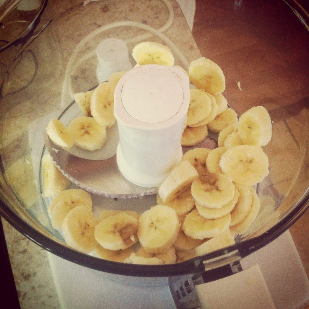 Приготовление бананового мороженного