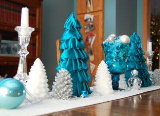 Украшаем новогодний стол в сине-зеленой гамме
