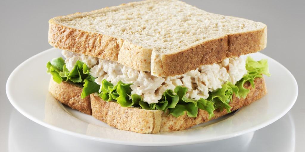 продукты, которые помогут похудеть - сэндвич с тунцом