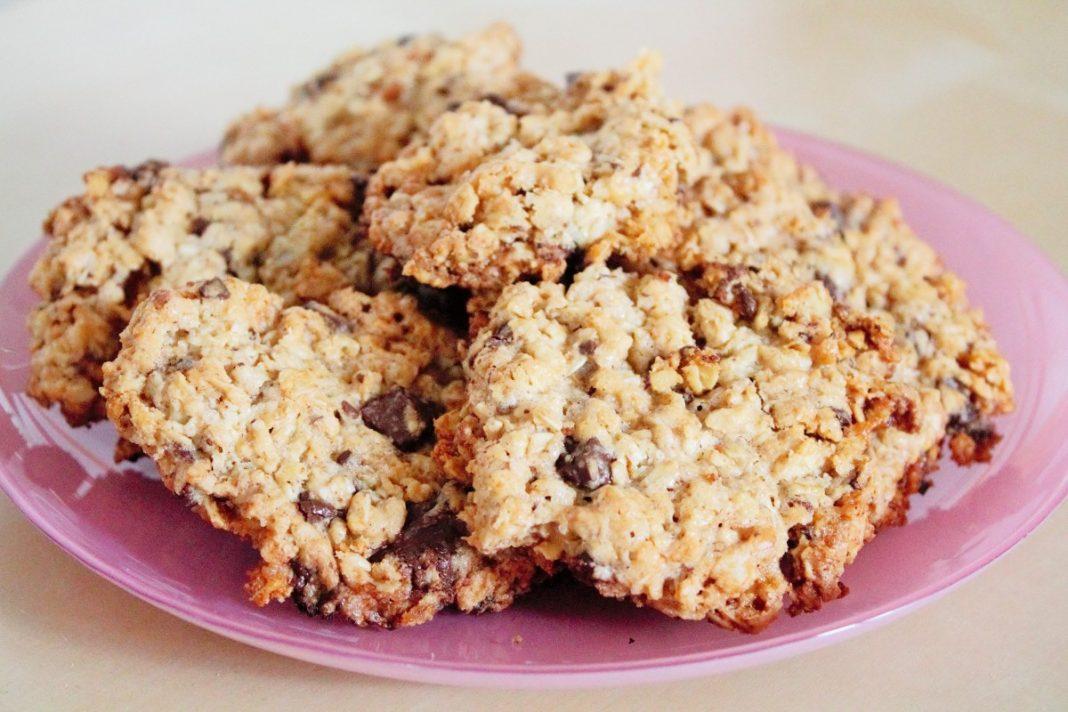 Овсяное печенье с кусочками шоколада без яиц