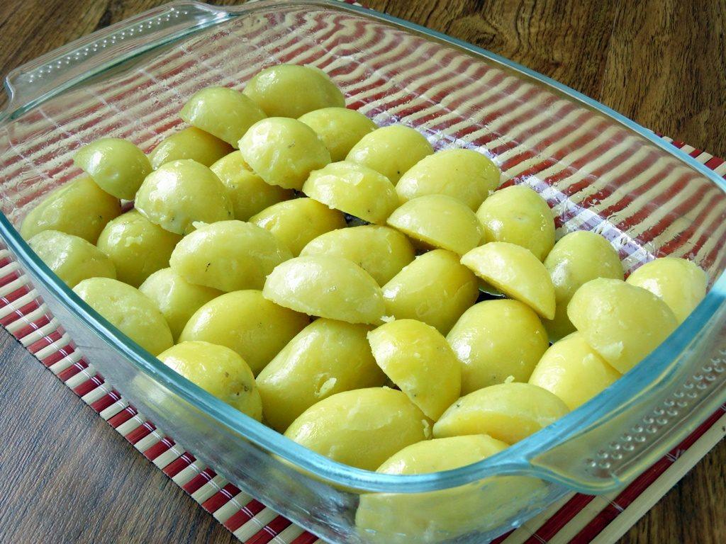 Картофель с сыром и чесноком